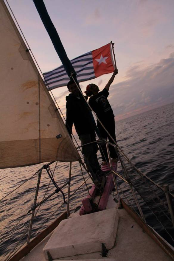 Morning Star flying at the bow, Photo by Jeevika Rajagopal